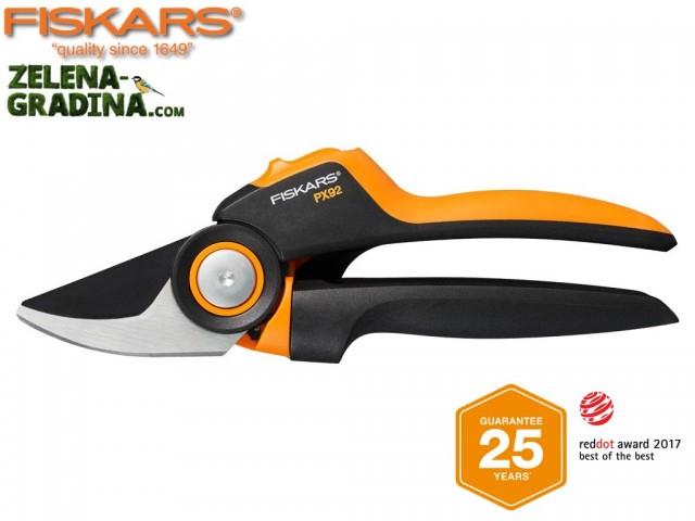 """FISKARS 1023630 - Лозарска ножица със зъбчат УСИЛВАЩ механизъм и разминаващи се остриета """"PowerGear PX92"""", Размер: M,Диаметър на рязане: до Ф20 mm, Тегло: 231 гр."""