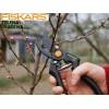 FISKARS 111960 - Професионална градинско-лозарска ножица за работа с една ръка (P90), Рязане на клони до: 26 mm